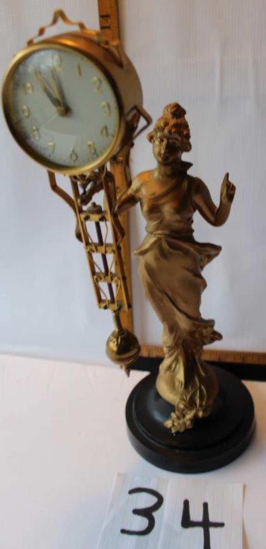 Cantilever Clock