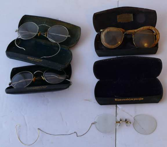 4 Pair Spectacles complete with case