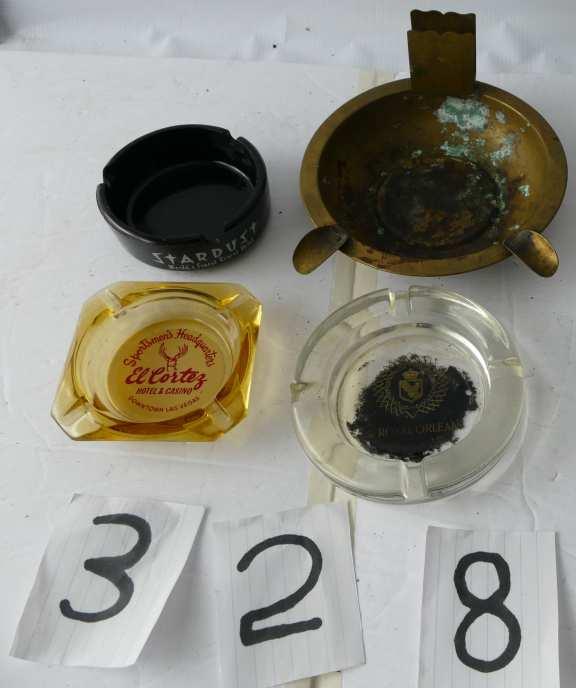 4 vintage Ash Trays