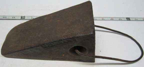 Chalk block for horse-drawn wagon
