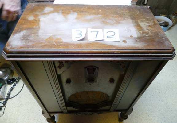 Philco Wooden Cabinet Radio
