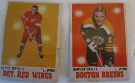 2 O'pee chee hockey cards