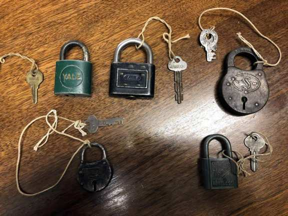 5 various padlocks with keys