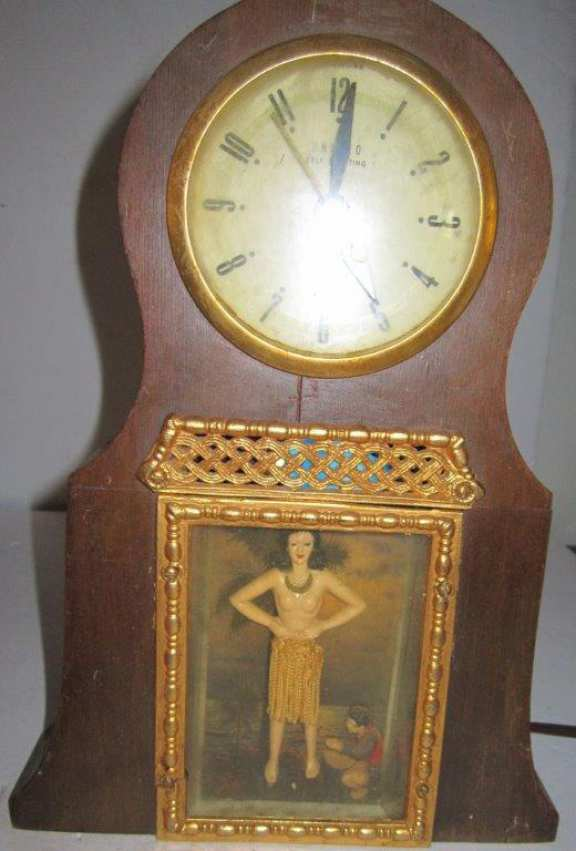 United dancing girl clock