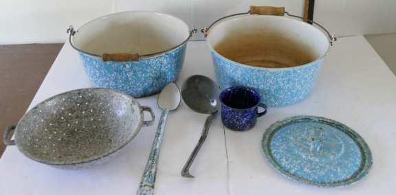 Various vintage enamelware