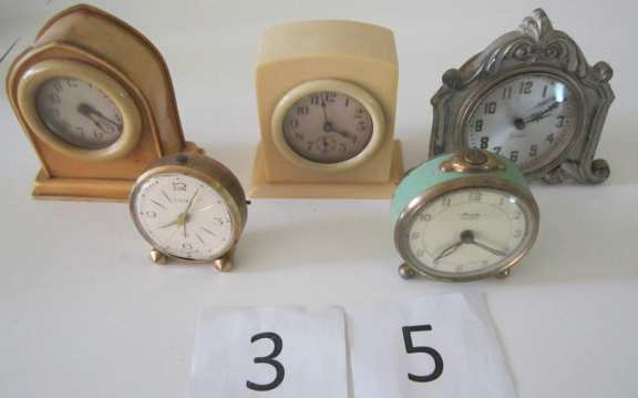 Assorted novelty clocks