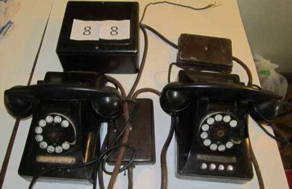 Set of 2 phones