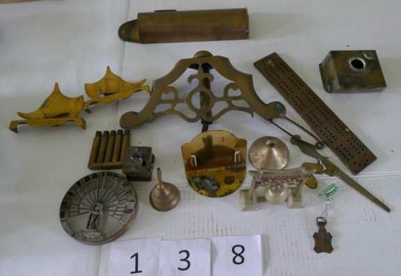 Various brass knick knacks